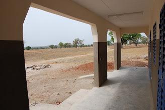 Photo: Vue sur le terrain du centre d'accueil