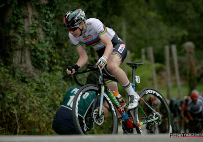 🎥 Na dubbel succes op WK is Van der Breggen voor zesde jaar op rij (!) onklopbaar in Waalse Pijl