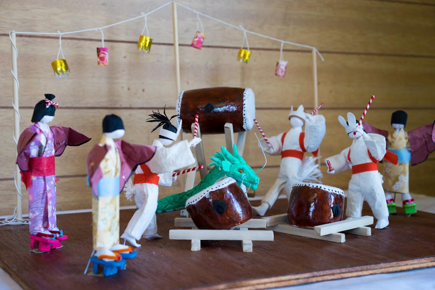 和紙人形:仮装盆踊り