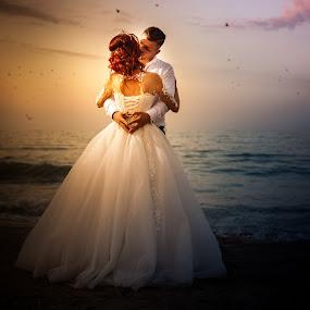 Sunset kiss! by Doru Iachim - Wedding Bride & Groom ( love, kiss, lovers, beach, bride, groom )