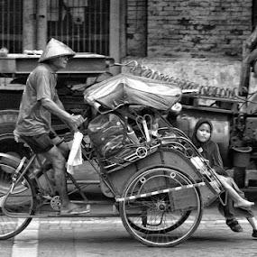 Becak Keluarga by Ayah Adit Qunyit - City,  Street & Park  Street Scenes (  )