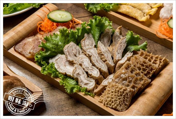 胡子麻辣鴛鴦火鍋滷水拼盤