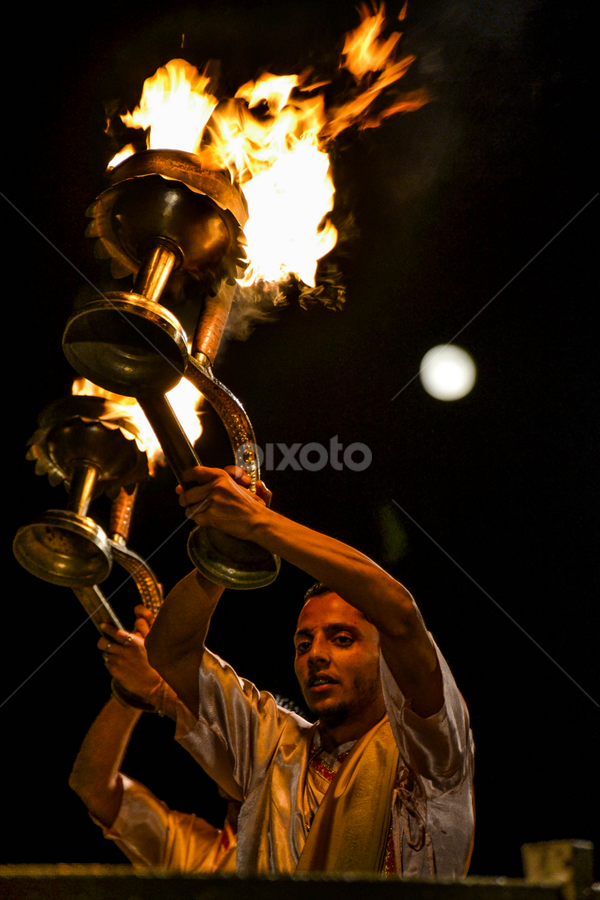 Aarti  Ceremony, Varanassi, India  by Priyantha Bhareti - News & Events World Events ( aarti, brahmin, india, fire, varanassi )
