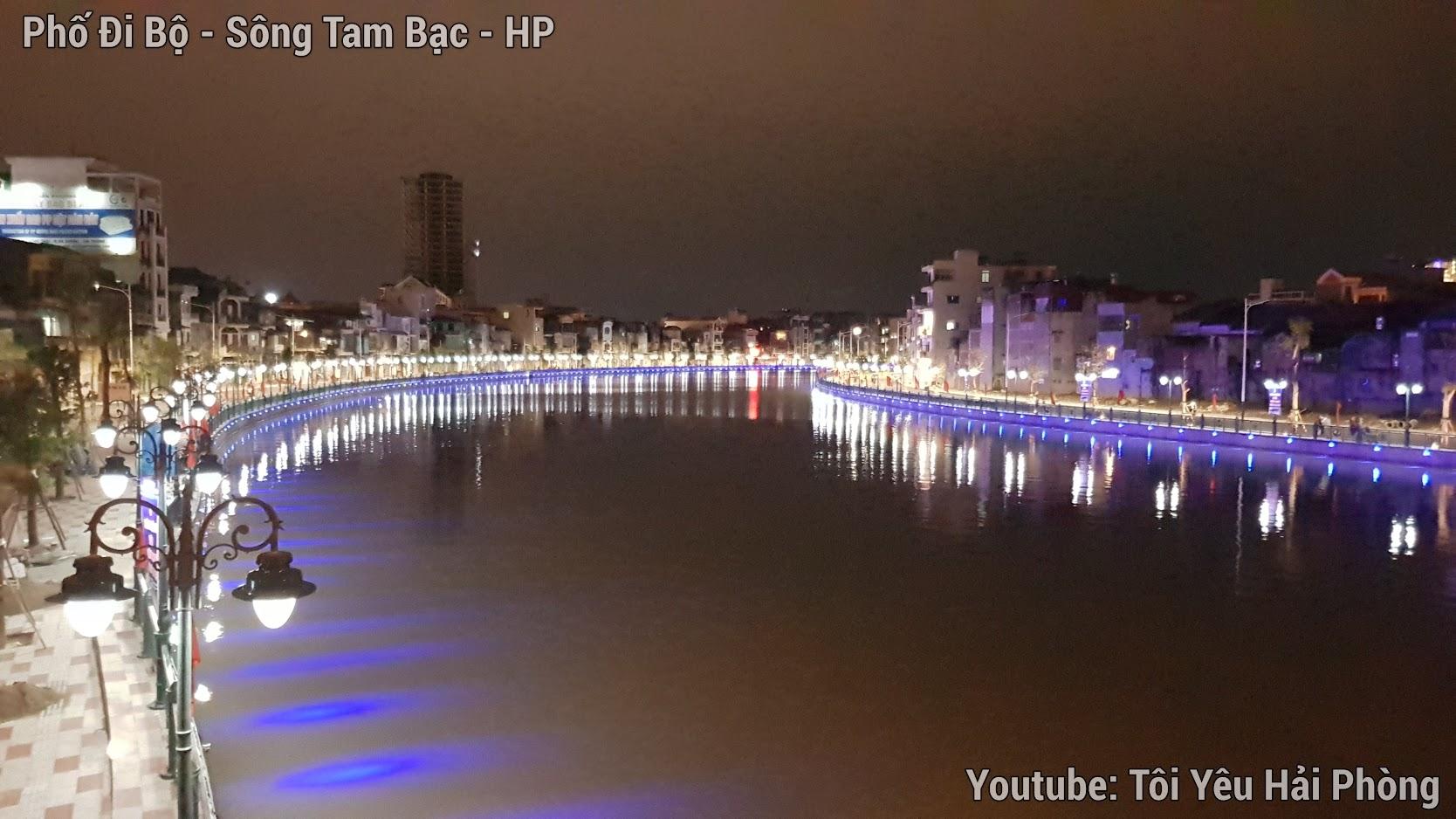 Buổi tối ở Phố Đi Bộ bên sông Tam Bạc ở Hải Phòng 6