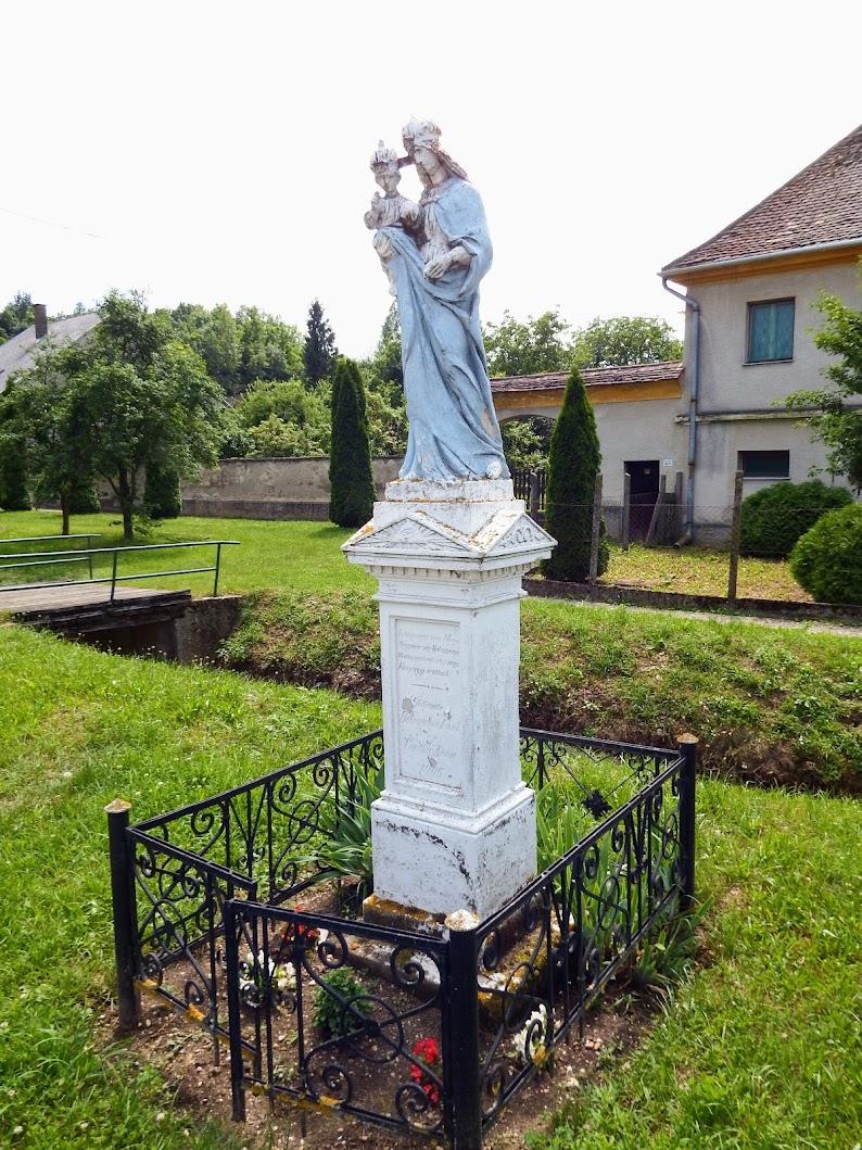 Egervölgy - Mária-szobor