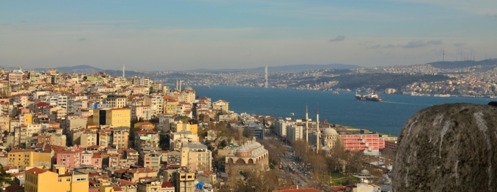 Istanbul tra Occidente ed Oriente di malikkite