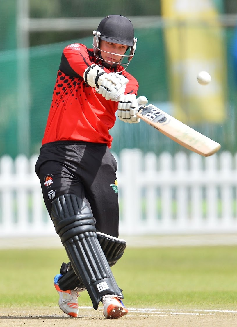 Eddie Moore performed well with the bat as he helped EP claimed victory over Kwazulu-Natal Coastal in their CSA One Day Challenge match at Kingsmead on Sunday.