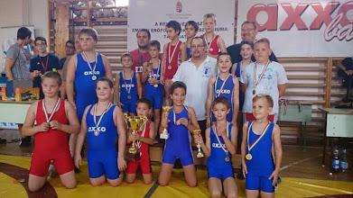 Photo: Birkózó verseny csapat