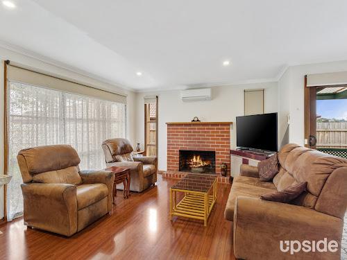 Photo of property at 11 Bysouth Court, Pakenham 3810