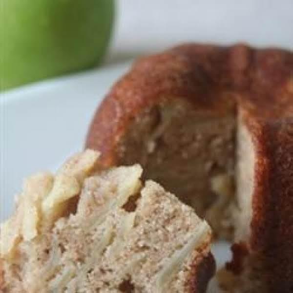 Fresh And Moist Apple Cake
