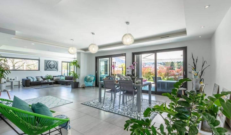 Villa avec piscine et terrasse Gaillard