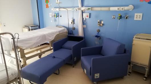 El Gancho Infantil dona 33 'Sillones Azules' al Hospital de Poniente
