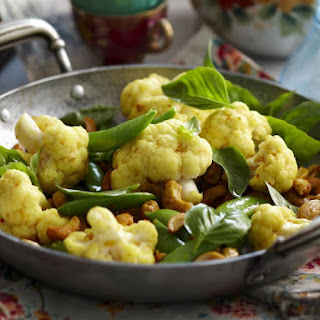 Curried Cauliflower with Cashews