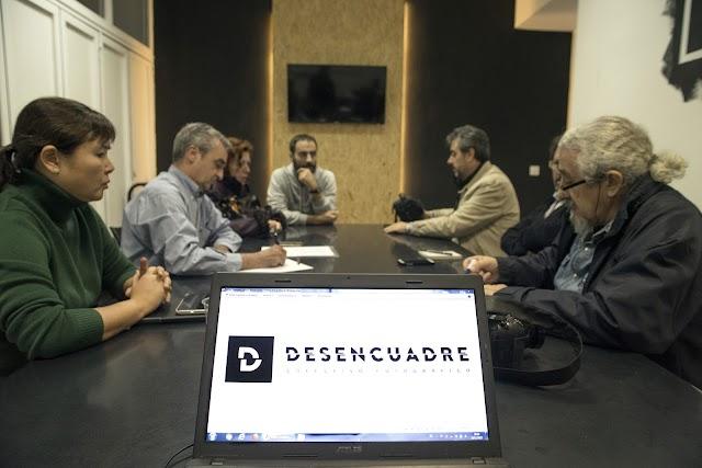 Reunión del colectivo fotográfico, en su sede del WoodWork Coworking./ F. González Vivas
