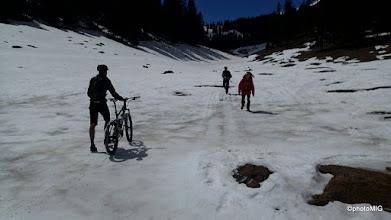 Photo: Bisciklist na snijegu ... još i da vozi ;)