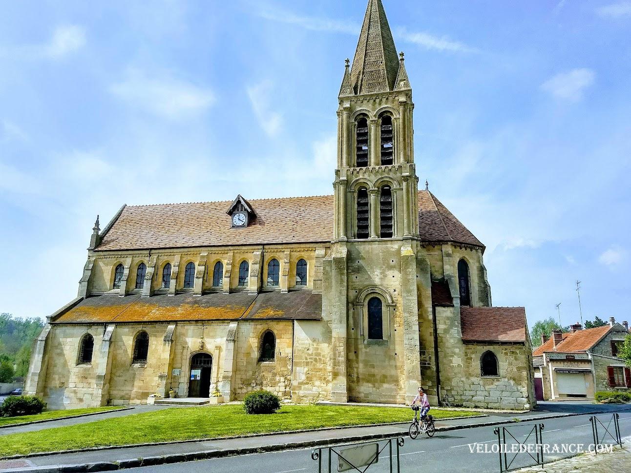 L'église de Livilliers par veloiledefrance.com