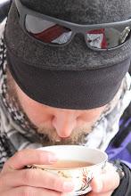 Photo: Begeriant juodąją arbatą.   While drinking the black tea.