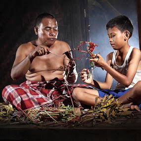 wadjang batang singkong by Ramadhan Bagaskara Arya Parmuka - People Family ( dad with kids, singkong, dad and 'kid' )