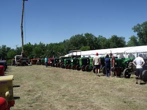 Photo: ........ il y avait d'impressionnantes collections de tracteurs......