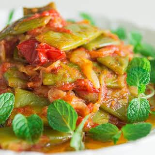 Loubieh Bi Ziet (Green Beans in Oil).
