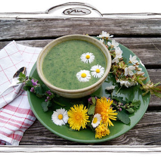 Creamy Wild Garlic Soup with Dandelion Leaves (Vegan) Recipe