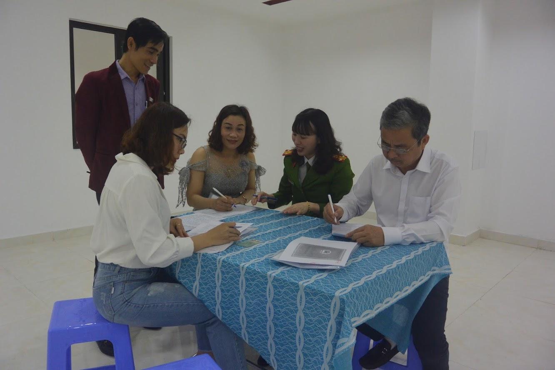 Hướng dẫn người làm thủ ttổ chức cấp CMND