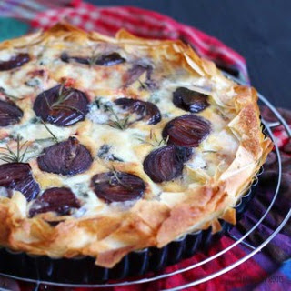 Onion Beetroot Gorgonzola Quiche