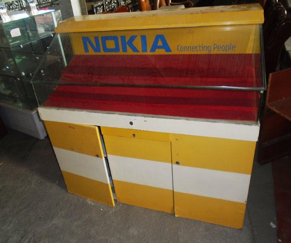 Thanh lý tủ kính trưng bày điện thoại giá rẻ