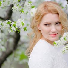 Wedding photographer Irina Larina (Apelsinka). Photo of 16.05.2014