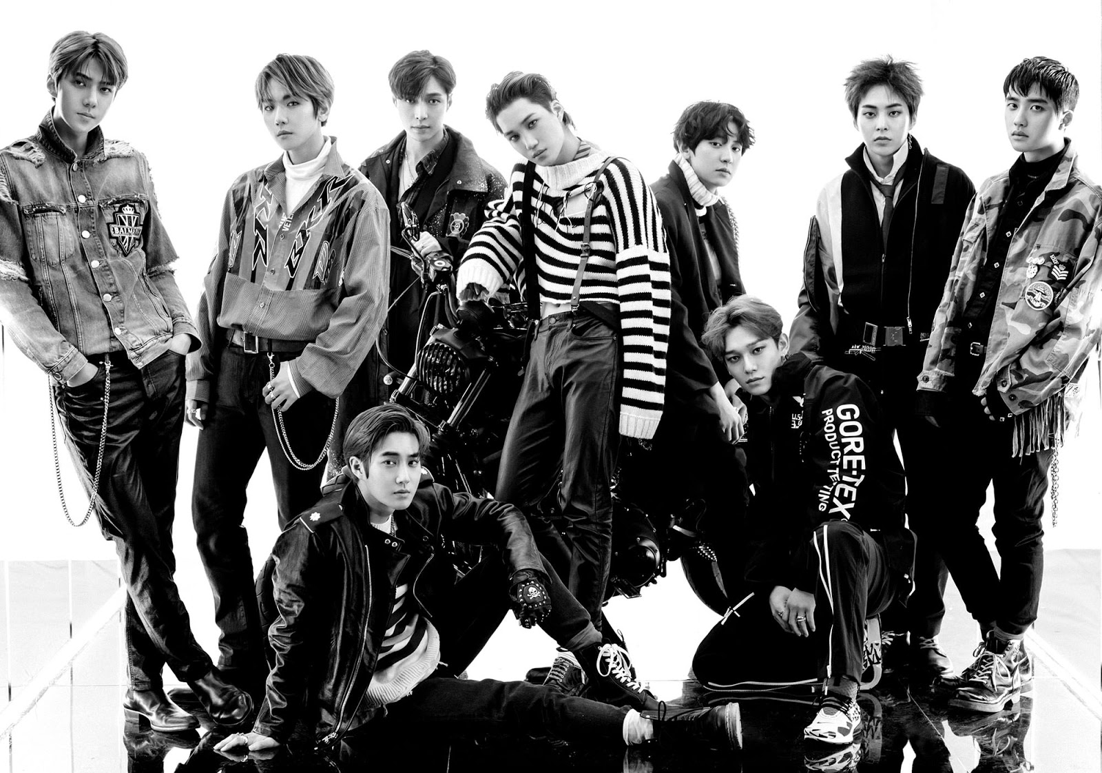 EXO-Dont-Mess-Up-My-Tempo-Group-Photo