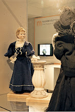 Photo: Dolls as imitations of famous paintings