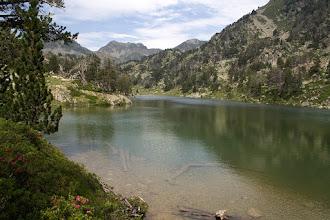 Photo: Néouvielle: llac d'Ours amb els pics d'Estibère al fons