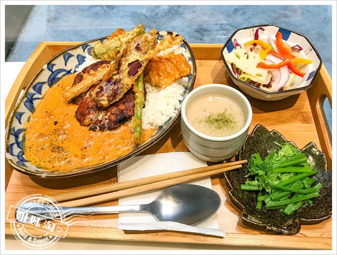 熨斗目花珈琲厚燒漢堡排定食
