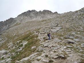 Photo: Desde el collado de Monestero nos dirigimos al pico de Peguera, avanzamos hacia la izquierda.