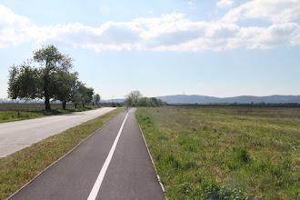 Photo: Hneď za Ivankou je novučká cyklotrasa, vzadu vysielač na Kamzíku