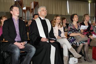 Photo: De preek wordt gehouden door Hans meurs, ds. Henri Veldhuis en Annelie van Dijk