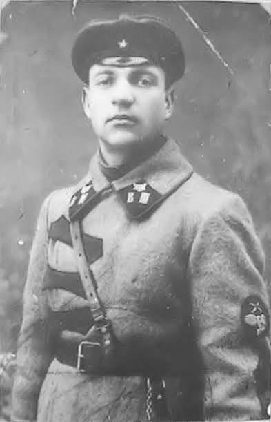 Курсант Высшей военной автомобильной и броневой школы РККА А. И. Лизюков, город Петроград, 1923 год