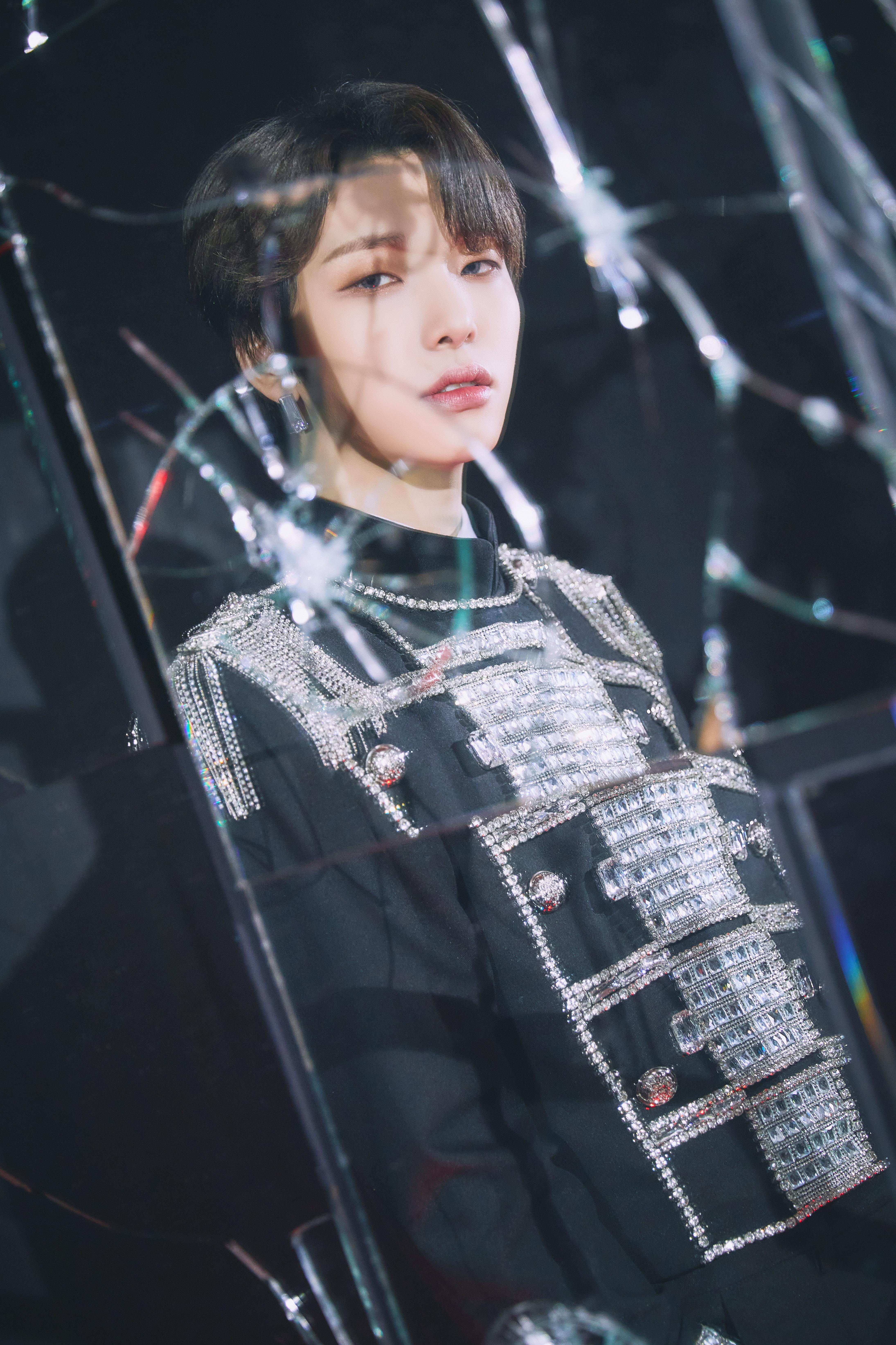 oneus_binary_code_black_mirror_concept_seoho