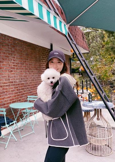 Yoona-And-Dog-2