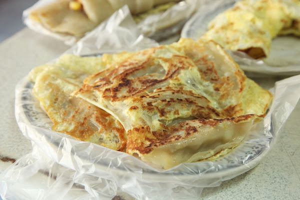台南美食良友刀削蜜豆冰(早餐)~傳統粉漿蛋餅,親切態度迎接每一位客人