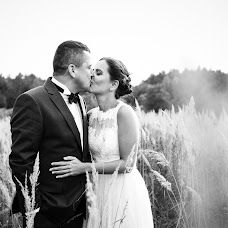 Wedding photographer Krystian Niedbał (colorsoftheday). Photo of 02.02.2016