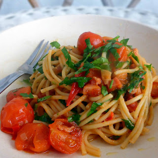 Sweet, Spicy Cherry Tomato Pasta