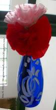 Photo: Maceta de claveles (papel y plástico reciclado)