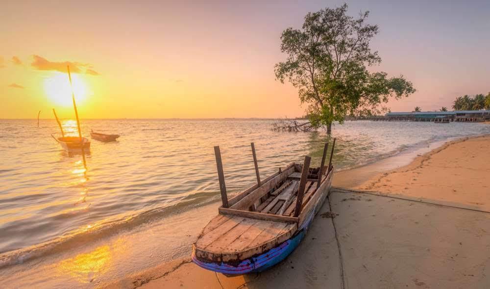 Sunrise Pantai Nongsa