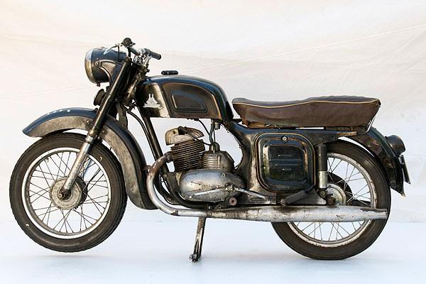Мотоцикл из Коврова ttps://bg-restavrator.com/s/bx_posts_photos_resized/gqcx56zmabezrfrzuqyrtncibt7hgvti.jpg
