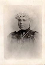 Photo: Rond 1917 Marie Marijnissen-Rombouts. °4 aug 1887 - † 30 mei 1969. Moeder van de voormalige slijtersvrouw in de Dreef. (foto geschonken aan Princenhaags Museum)