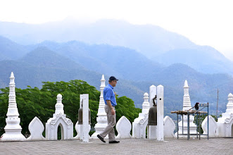 Photo: Bjorn and the mountains surrounding Mae Hong Son