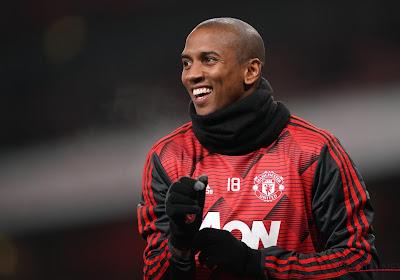 Manchester United confirme le départ d'Ashley Young