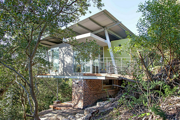 The 'tree house' designed by DMV Architecture overlooks the Baakens Valley