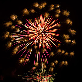 Bursts & Trails by Chris Cavallo - Public Holidays July 4th (  )
